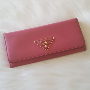 💖 Authentic Prada Logo Plaque Continental Wallet